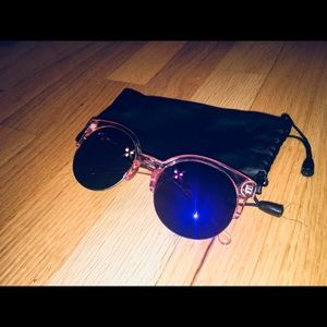 Accessories - Women's Sunglasses with Bag